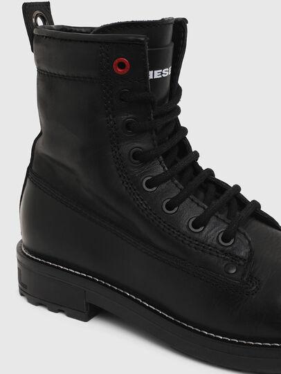 Diesel - D-THROUPER DBB W Z, Black - Ankle Boots - Image 4
