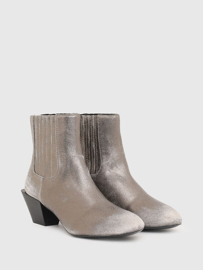 Diesel - D-TEXANNE CH, Silver - Ankle Boots - Image 2