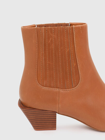Diesel - D-TEXANNE CH, Light Brown - Ankle Boots - Image 4