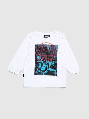 TRAVEB, White - T-shirts and Tops