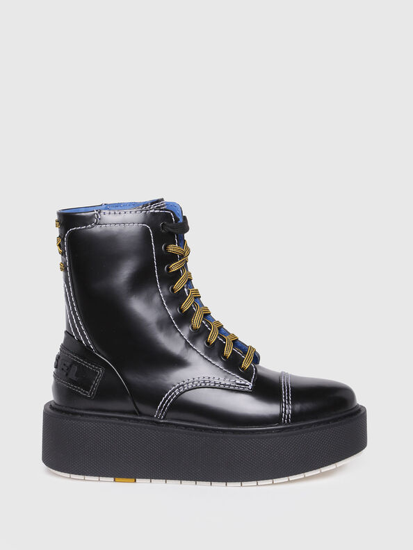 D-CAGE HB, Bright Black - Ankle Boots