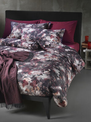 72081 DARK FIELD, Burgundy - Duvet Cover Set