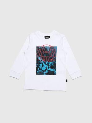 TRAVEB-R, White - T-shirts and Tops