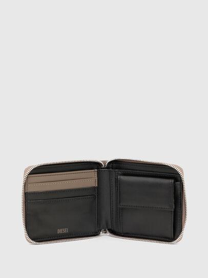 Diesel - HIRESH XS ZIPPI, Beige - Zip-Round Wallets - Image 3
